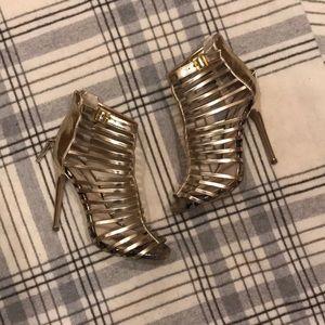 Steve Madden Gold Heels size 8.5